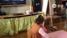 七七玩玩具(来自拍客手机客户端 下载地址:http://video.sina.com.cn/app/sinapaike.html)