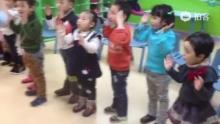 我们AS015班的宝贝们第一次跳字母歌,还请大家多鼓励哦![太开心][太开心]@鞍山瑞思--Vivian (来自拍客手机客户端 下载地址:http://video.sina.com.cn/app/sinapaike.html)