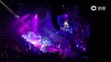 mr. new begnning2013演唱会 想encore揾安哥 @Mr_DASH @T圈T @许志安 @ronnylay @MR_MJ譚傑明 @Mr布志綸 (来自拍客手机客户端 下载地址:http://video.sina.com.cn/app/sinapaike.html)