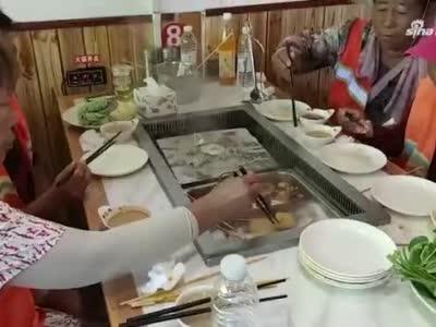 原阳一饭店老板宴请36名环卫工免费吃饭:希望这场爱心行动传递下去
